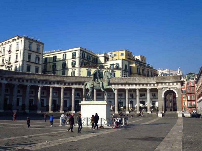 77.Piazza Plebiscito